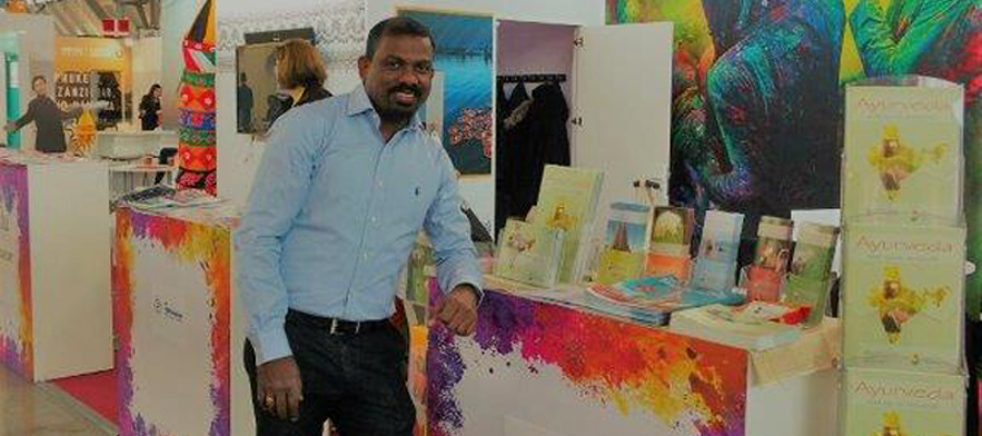 Rajesh Pillai am Messestand der Vielfalt Indien GmbH