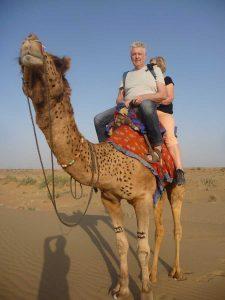 Kamel mit Gästen