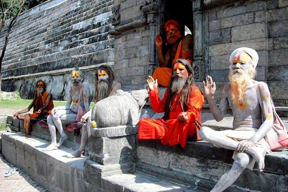 pashupatinath-temple-Sadhus-Kathmandu_web