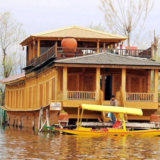 Sukoon Hausboot in Kashmir